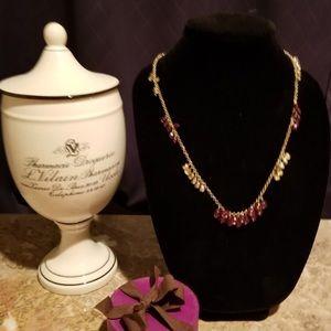 Fun and flirty Loft necklace!